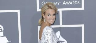 New Couple Alert: Carrie Underwood and Travis Stork!