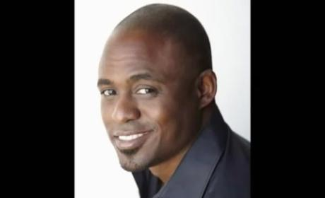"Wayne Brady Would ""Gladly Slap the $h!t"" Out of Bill Maher Over Obama Comment"