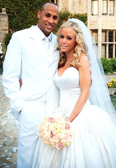 Kendra Wilkinson Wedding Pic