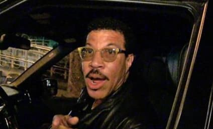 Lionel Richie on Khloe Kardashian: I'm Not the Dad, But She IS My Kid!