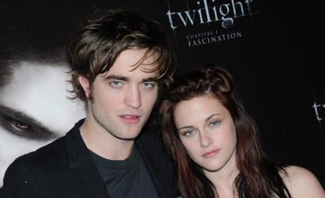 "Report: Kristen Stewart to Purchase ""Love Nest"" for Herself and Robert Pattinson"