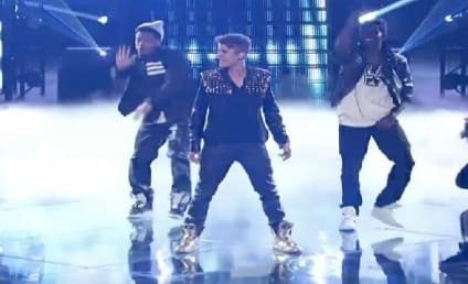 """Justin Bieber Performs """"Boyfriend"""" on The Voice Results Show"""