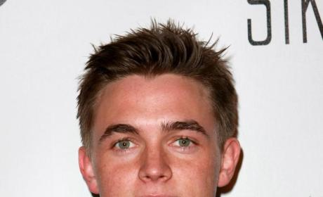 Report: Hayden Panettiere Mauls Jesse McCartney