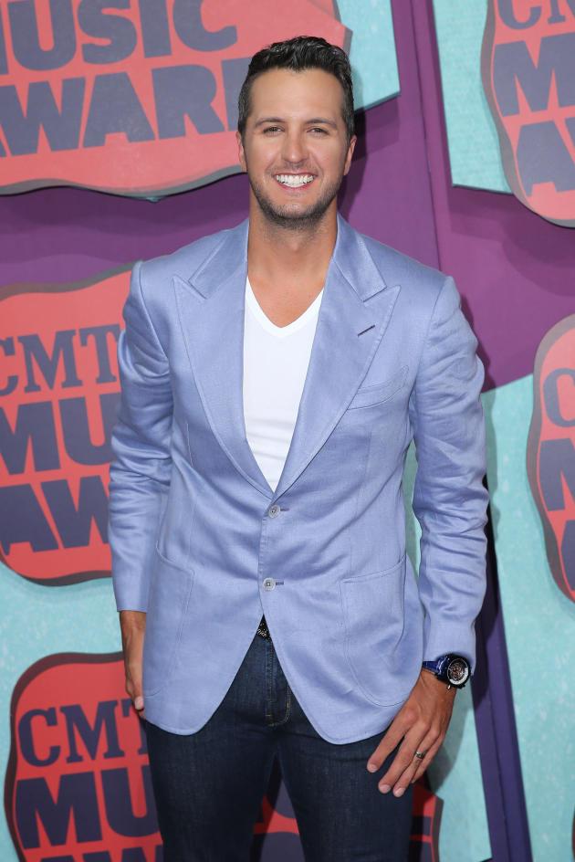 Luke Bryan at CMT Awards