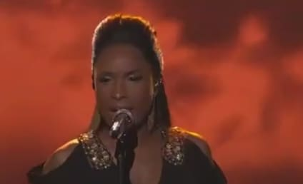Jennifer Hudson Returns to American Idol