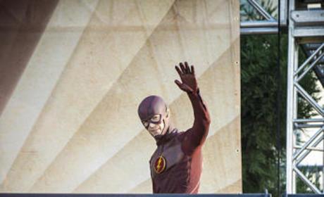 The Flash Season 2 Episode 1 Recap: A Dangerous World