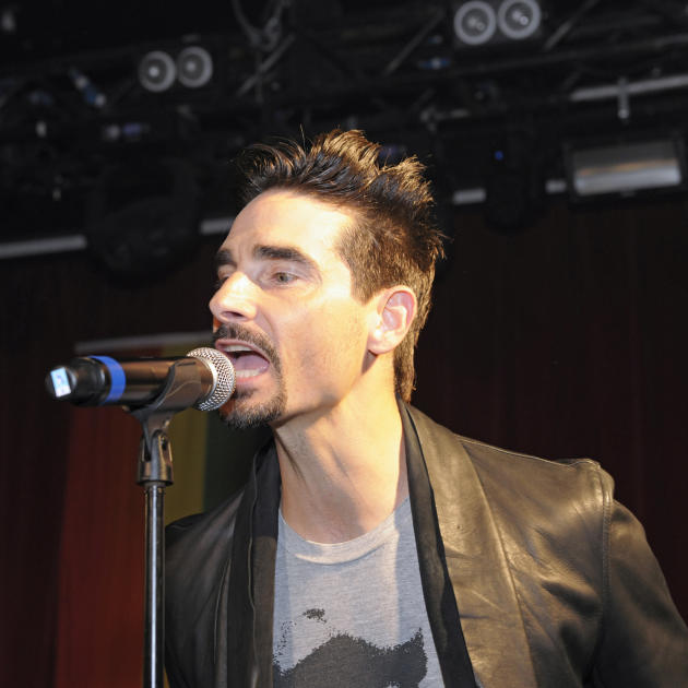 Kevin Richardson on the Mic