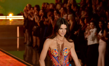 Kendall Jenner for Victoria's Secret: First, Sexy Look!