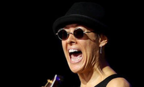 Michelle Shocked Slur: Anti-Gay Rant Stuns Fans, Spurs Cancellations