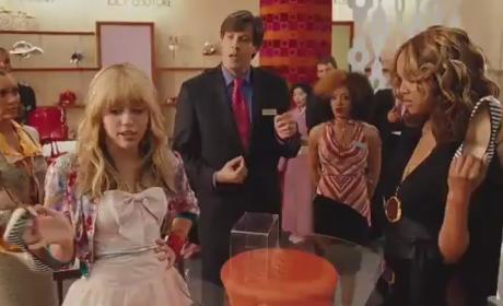Miley Cyrus Stars in Hannah Montana Movie Trailer