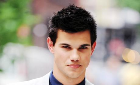 Sarah Hicks: Back Together with Taylor Lautner?!?
