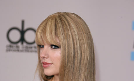 Do you like Taylor Swift with bangs?