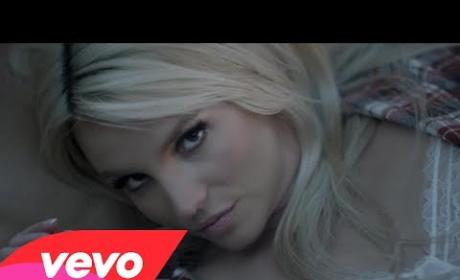 "Britney Spears ""Perfume"" Music Video: Released, Sexy and Kind of Hilarious!"