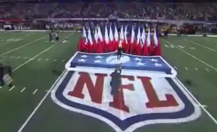 Christina Aguilera National Anthem Effort: FAIL!