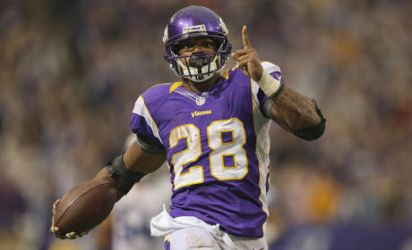 Adrian Peterson Suspended by NFL for Remainder of Regular Season
