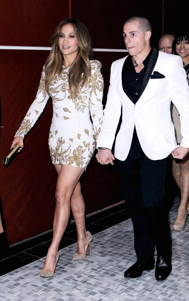 Jennifer Lopez and Casper Smart Photo