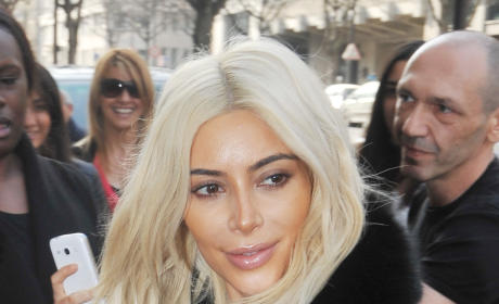 Kim Kardashian Turns White: Look at Her Hair Now!