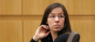 Jodi Arias Nude Photos: Shown at Trial!