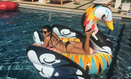 Kourtney Kardashian Swan Float Pic