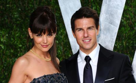 12 Celebrity Relationships We're Pretty Sure are Fake
