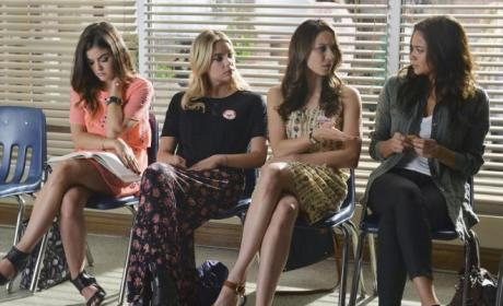 Pretty Little Liars Wait