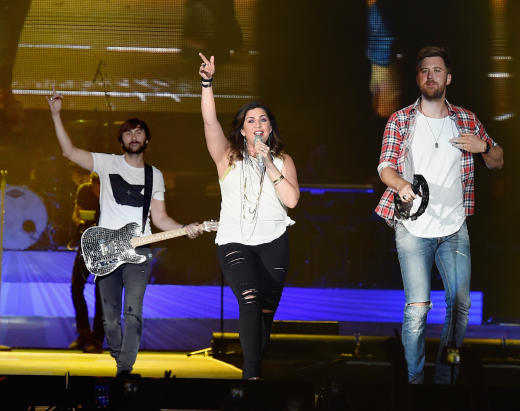 Hillary scott opens up about miscarriage the hollywood for Lady antebellum miscarriage how far along