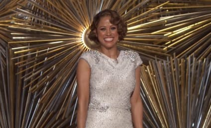 Chrissy Teigen Throws MAJOR Shade at Stacey Dash's Oscar Appearance