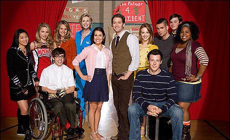 Michelle Obama Invites Glee Cast to The White House