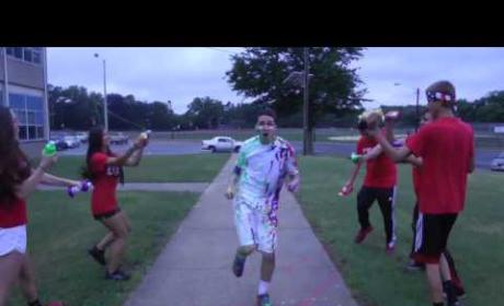 High School Students Shake It Off, Lip Dub to Taylor Swift