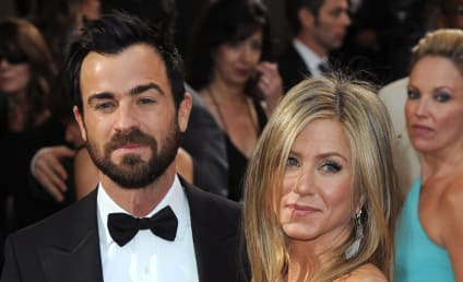 Jennifer Aniston and Justin Theroux: Is It Over?! Actress Stops Wearing Engagement Ring!