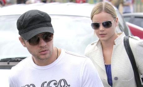 Abbie Cornish: Spotted with Ryan Phillippe's Daughter!