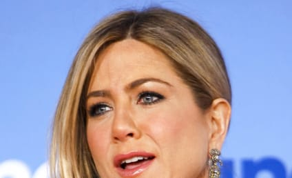 Jennifer Aniston Cuts Her Hair: First Look!