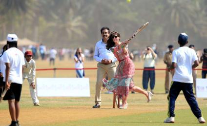 Prince William and Kate Middleton Take Mumbai!