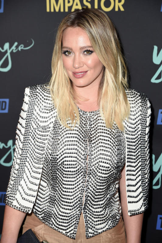 Hilary duff red carpet photo