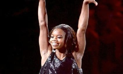 Gabby Douglas Does Gymnastics During Alicia Keys-Nicki Minaj VMA Performance