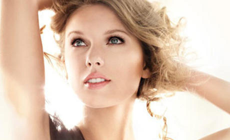 Taylor Swift CoverGirl Ad: Banned in UK For Excessive Photoshopping!
