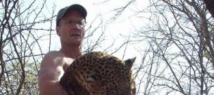 Walter Palmer Emerges From Hiding, Agrees to Cooperate With Investigators