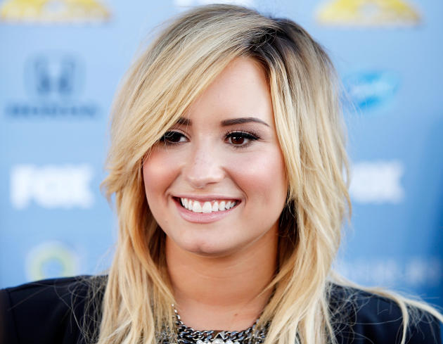 Demi Lovato is Blonde