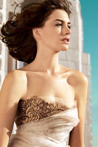 Anne Hathaway, Vogue