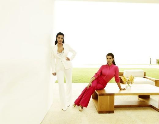 Kim Kardashian, Kourtney Kardashian Promo Pic