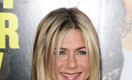 Jennifer Aniston Actually Sort of Talks About Brad Pitt Breakup