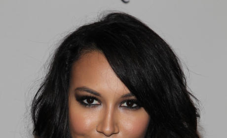 Naya Rivera Reveals New Hair! See Her New Look!!