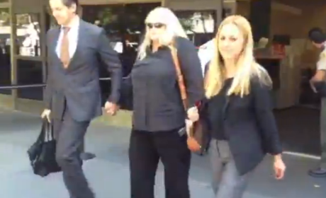 Debbie Rowe Leaves Courtroom