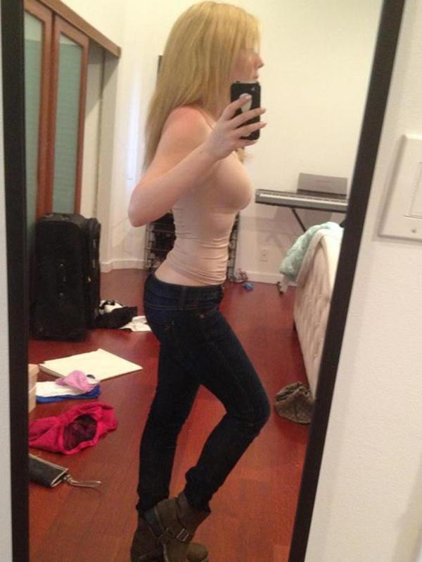 Jennette McCurdy Selfie