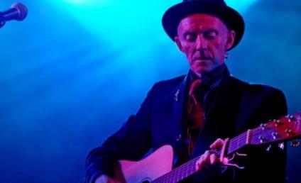 Phil Chevron Dies; Pogues Guitarist Was 56