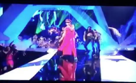 Rihanna VMA Performance 2012
