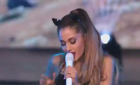 "Ariana Grande Performs ""Break Free"" on America's Got Talent: Watch!"