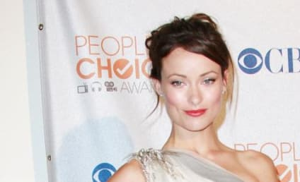 People's Choice Awards Fashion Face-Off: Olivia Wilde vs. Jessica Alba