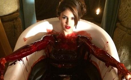 Eiza Gonzalez Bathtub Set From Dusk Til Dawn