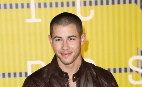 Nick Jonas & Kate Hudson: Hooking Up?!